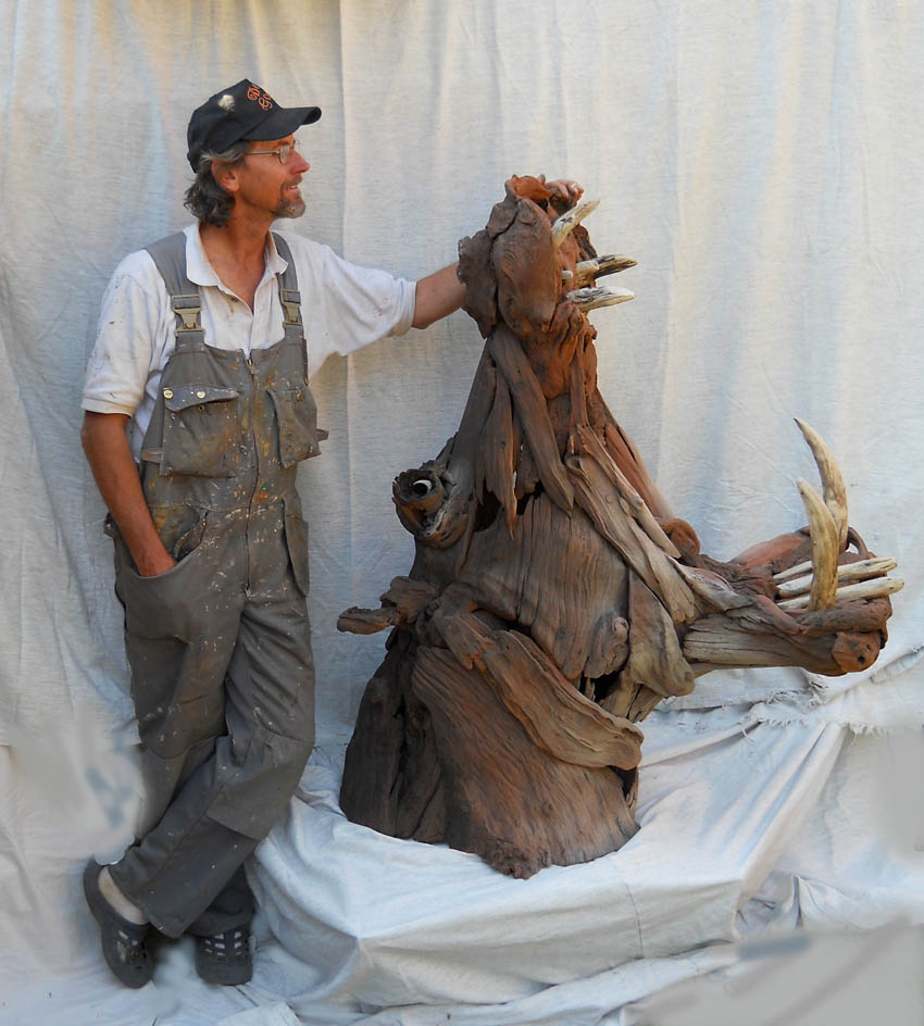 Tony-Fredriksson-with-Hippo-sculpture driftwood